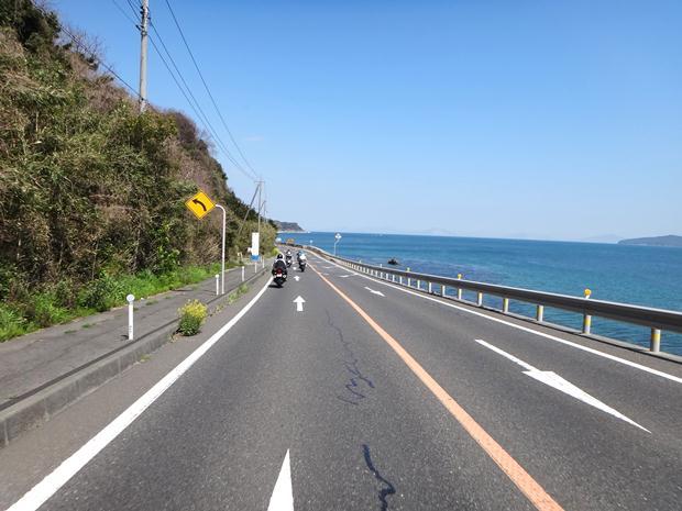 10 今日の瀬戸内海は青い.JPG