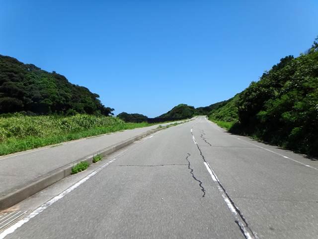 13 島の真裏側はこんな道.JPG