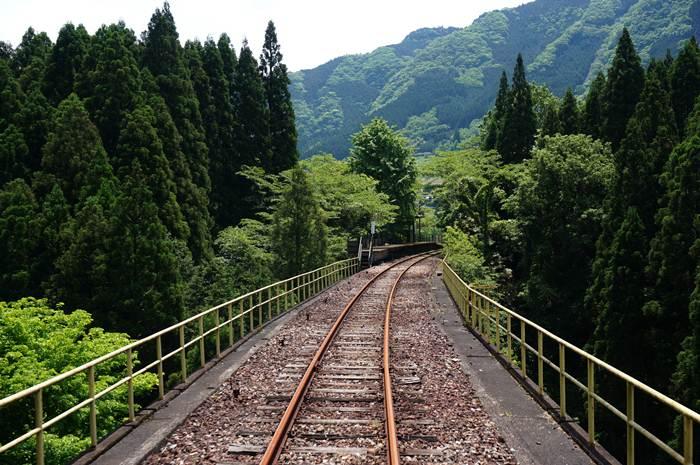 16 途中の駅.JPG