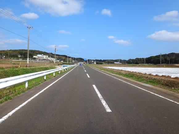 17 メインの道はこんなに綺麗.JPG