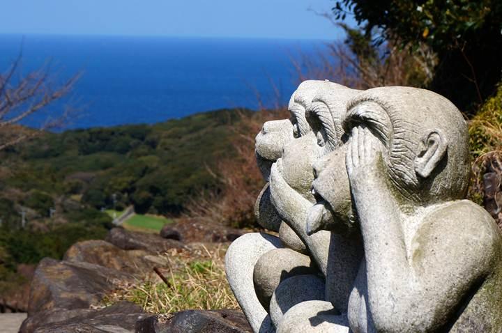 22 東シナ海と三猿.JPG