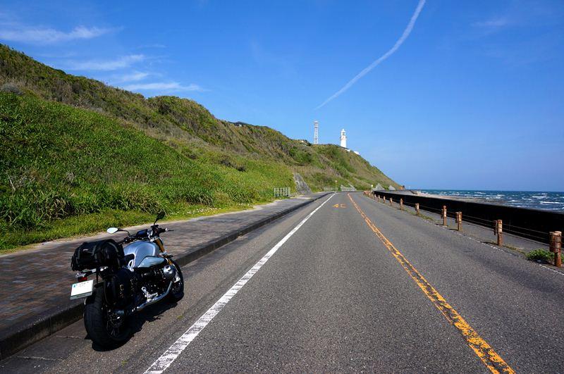 26 バイク乗りは端っこが好き.JPG