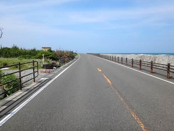 26 海沿いの道.JPG