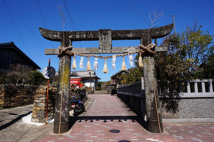 33 島の神社.JPG