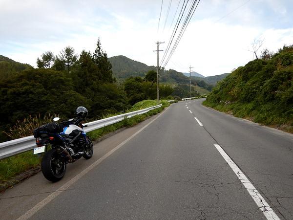 3 峠道.JPG