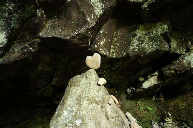 40 わたしが見つけたハート石.JPG