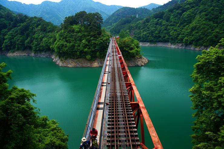 42 鉄橋の真上.JPG