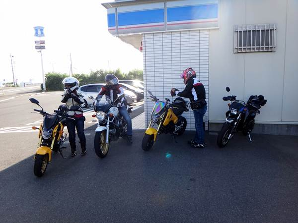 4 ニューバイクで来たよ.JPG