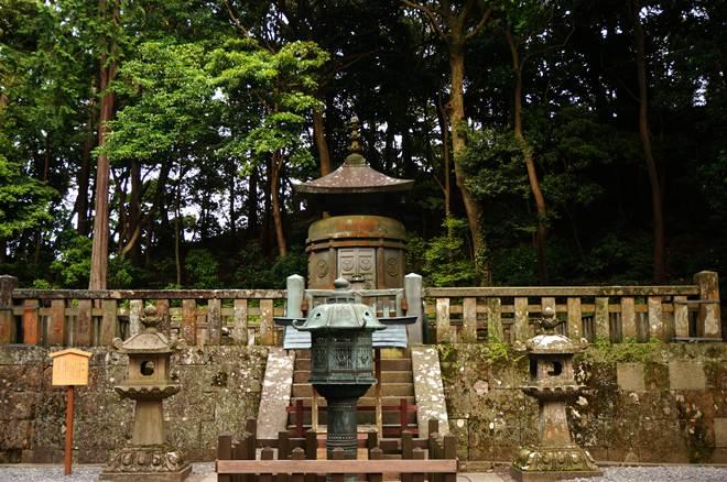 59 家康公のお墓.JPG