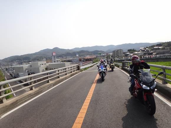 7 端っこへ.JPG