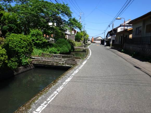 24 緒方町の道.JPG