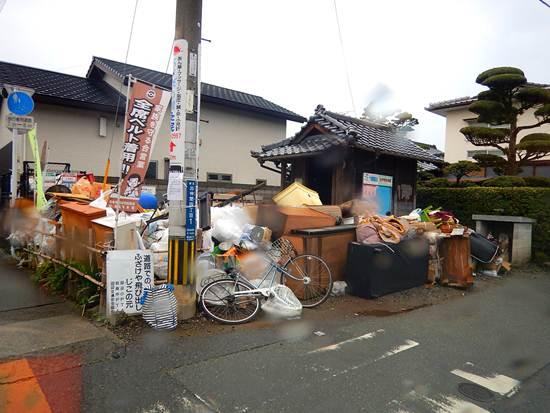 4 震災ゴミ置き場.JPG
