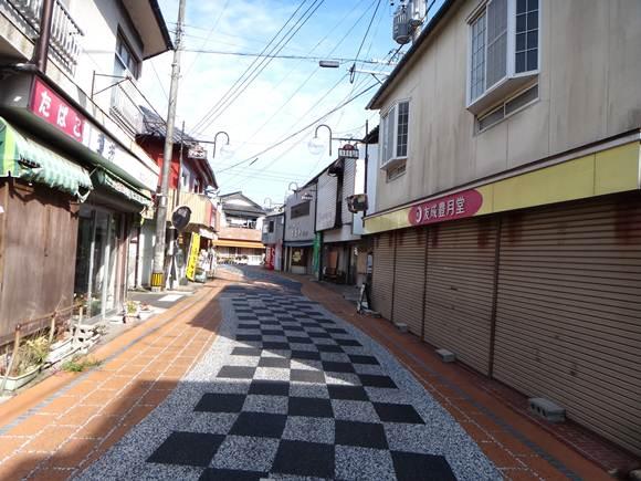 5 レトロな商店街.JPG